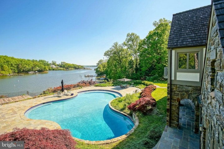 869 CHILDS POINT RD, ANNAPOLIS, MD 21401